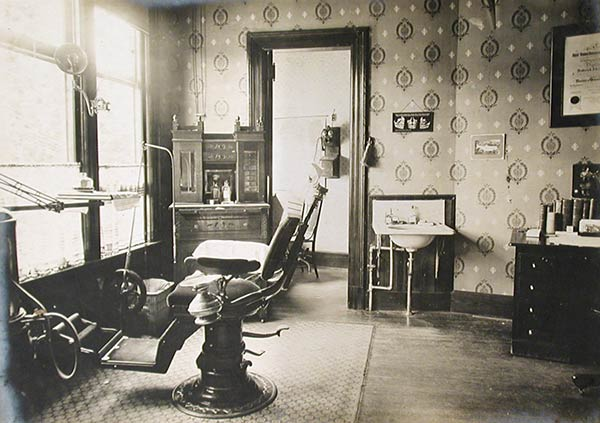 A vintage dental office, circa 1900-1905 (Connecticut Historical Society)
