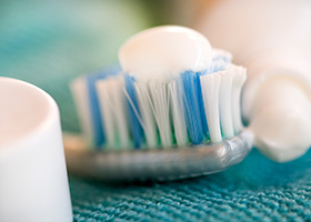 Too Early to Recommend EDTA Dental Gel as Toothpaste Replacement, Say Experts